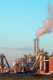 Impianto industriale con gli scarichi Fotografia Stock Libera da Diritti