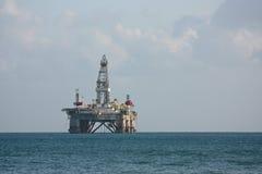 Impianto offshore del lato di mare. Immagini Stock