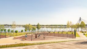 Impianto sportivo all'aperto nel parco di Natalka di Kiev in Ucraina immagini stock libere da diritti