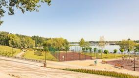 Impianto sportivo all'aperto nel parco di Natalka di Kiev in Ucraina immagine stock libera da diritti