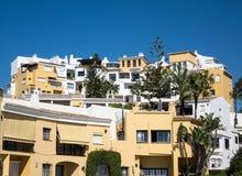 Impiega e gli appartamenti a Marbella Spagna Fotografia Stock Libera da Diritti