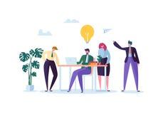 Impiegati di concetto che lavorano con i computer Gente di affari piana dei caratteri con il computer portatile Team Work Organiz Illustrazione Vettoriale