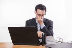 Impiegato stanco ed esaurito o triste Fotografie Stock Libere da Diritti