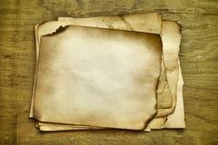 Impila i vecchi documenti Fotografie Stock