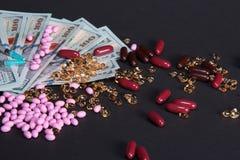 Impilamento delle fatture per la sanità ed i bisogni medici Immagini Stock Libere da Diritti