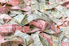 Impilamento di un tipo della banconota di valuta tailandese Immagini Stock