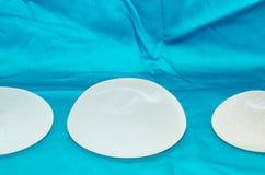 Implante de peito do silicone Fotos de Stock Royalty Free