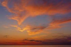 Imponerande föreställningfärger på solnedgången Fotografering för Bildbyråer