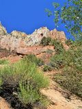 Imponerande monoliter i Zion National Park fotografering för bildbyråer