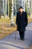 Imponierender alter Mann Lizenzfreie Stockfotos