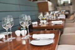 Impostazione della tabella del ristorante Immagine Stock Libera da Diritti