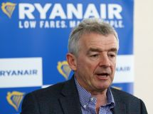 Imprensa-conferência de Ryanair no aeroporto de Kyiv-Boryspil, Ucrânia imagens de stock royalty free