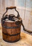 Imprensa de madeira velha da exploração agrícola fotografia de stock royalty free