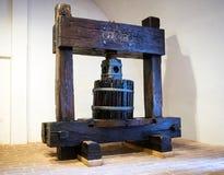 Imprensa de vinho de madeira Imagens de Stock Royalty Free