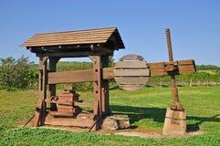 Imprensa de vinho histórica, Burgenland, Áustria imagens de stock
