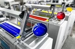 Imprensa deslocada da impressora na planta da indústria imagem de stock royalty free