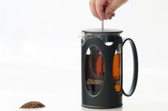 Imprensa do francês da tração da mão para fazer o chá foto de stock royalty free