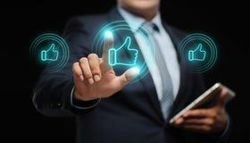 Imprensa do homem como o botão Conceito social da rede da tecnologia dos meios do Internet do negócio Fotos de Stock