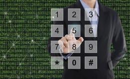 A imprensa do homem de negócios numera o sistema de segurança do negócio do conceito imagens de stock royalty free