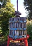 Imprensa do vintage na região vinícola fotografia de stock royalty free