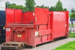 Imprensa vermelha do lixo imagem de stock royalty free