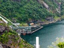 Impresa di piscicoltura norvegese fotografia stock libera da diritti