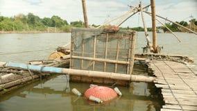 Impresa di piscicoltura, rete da pesca cinese, pesca, pescatore, pescatore archivi video