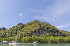 Impresa di piscicolture e della barca Fotografie Stock