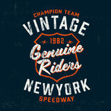 Impresión del logotipo de la marca del motor del vintage de la tipografía para la camiseta Ejemplo retro del vector de las ilustr Imagen de archivo