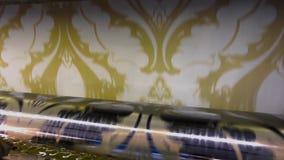 Impresión del papel pintado, proceso de fabricación del papel pintado, fábrica del papel pintado metrajes