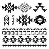 Impresión dibujada mano de Navajo, modelo azteca retro, elementos tribales del diseño con los rasguños ilustración del vector