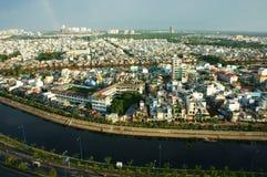 Impresión panaromic de la ciudad de Asia el día Foto de archivo libre de regalías