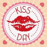Impresión roja de los labios en una etiqueta preciosa para el día del beso, ejemplo del vector Foto de archivo