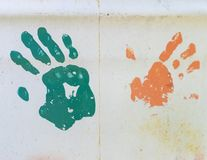 Impresiones de la mano del Grunge en el metal imagen de archivo libre de regalías