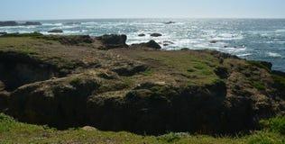 Impresiones de la playa de cristal de Fort Bragg a partir del 28 de abril de 2017, California los E.E.U.U. fotografía de archivo