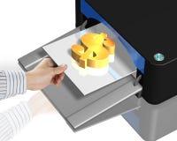 impresora 3D con símbolo del dinero del oro Fotografía de archivo