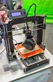 impresora 3D en cabina en ECO 2017 en Kiev, Ucrania Imagen de archivo
