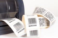 Impresora de la etiqueta de código de barras Imágenes de archivo libres de regalías