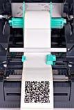 Impresora de la etiqueta de código de barras Fotografía de archivo libre de regalías