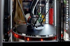 impressão da impressora 3d Tecnologia nova da impressão fotografia de stock royalty free