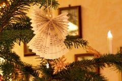 Impressão home do Natal com a decoração da árvore de Natal Imagens de Stock Royalty Free