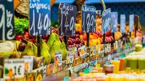 Impressões coloridas do mercado do alimento em Barcelona spain Imagens de Stock