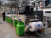Impression UV de presse de flexo Photo libre de droits