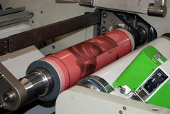 Impression UV de presse de flexo photo stock