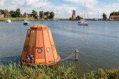 Impressione futuristica degli artisti di pesca della capsula fotografie stock libere da diritti