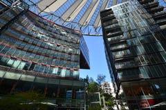 Impressions de Sony Center à la place de Potsdam, Potsdamer Platz à Berlin depuis le 1er juin 2017, l'Allemagne Photographie stock libre de droits