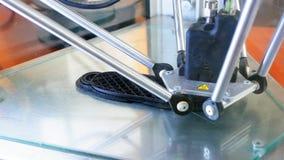 a impressora 3D executa a criação do produto Imagem de Stock