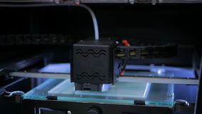 imprimante 3D pendant le travail Image stock