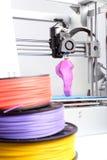 Imprimante tridimensionnelle pendant le travail Photos libres de droits