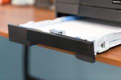 Imprimantes et copieurs de bureautique image libre de droits